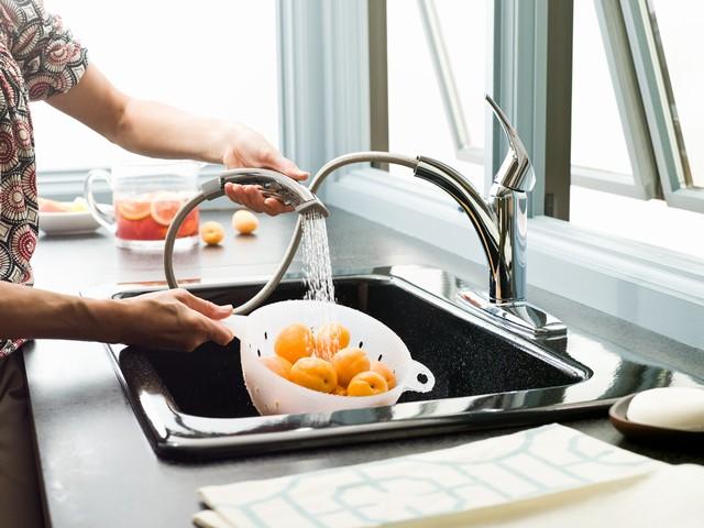 Вымыть фрукты очень легко