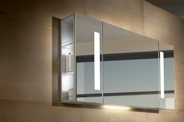 Зеркало в ванную комнату с подсветкой и шкафчиком