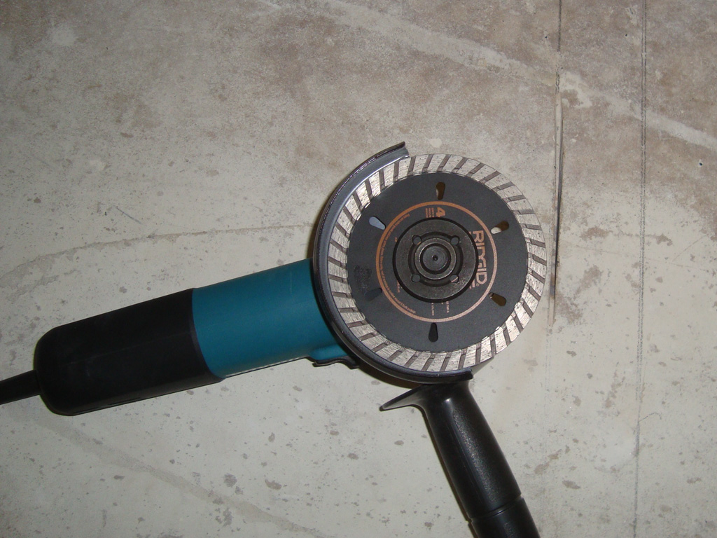 Болгарка на 7 ампер с алмазным диском