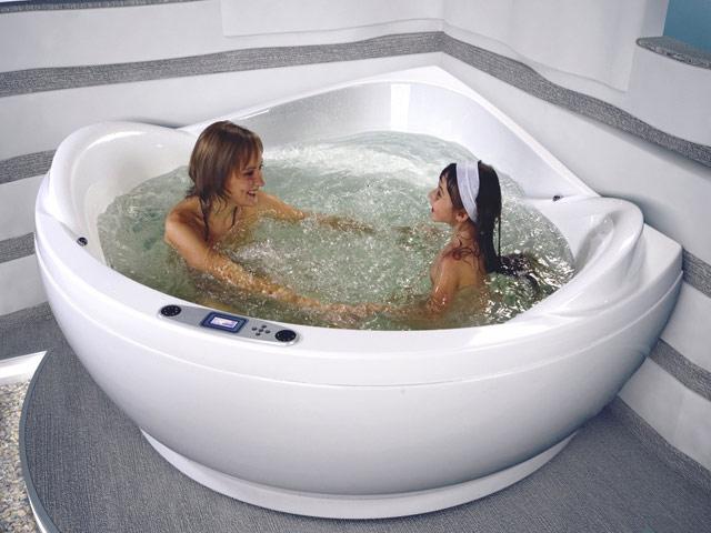 Акриловые ванны длительное время сохраняют температуру воды комфортной