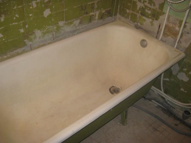 Чугунную ванну можно встретить в любом доме советской постройки