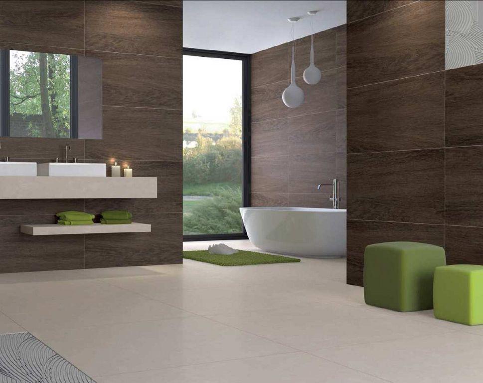 Плитка под дерево в дизайне ванной